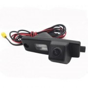 Камера заднего вида Falcon SC31HCCD-170 для Toyota Highlander (улучшенная матрица)