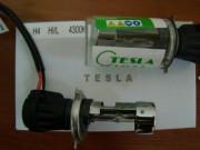 Би-ксеноновая лампа Tesla 35Вт для цоколей 9004, 9007,H13